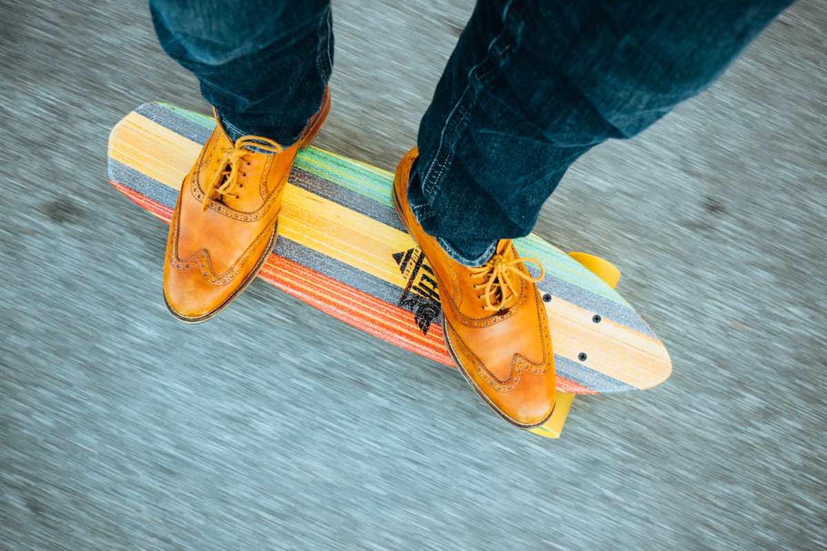 feet-hipster-longboard-skateboard-1200x